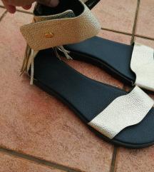 Gulliver zlatne sandale