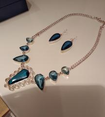 Ogrlica sa naušnicama i prsten