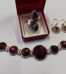 Set od srebra i rubina