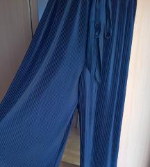Plisirane hlače XL