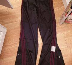 DO SUBOTE%%Adidas adibreak pants hlače novo