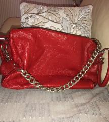 Lakirana crvena torba