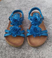 Nove sandale plave boje