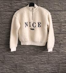H&M fluffy pulover 152