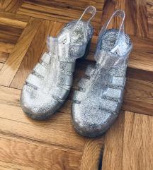 Sandale gumene za more