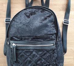 *RASPRODAJA* Novi plišani crni Tally Weijl ruksak