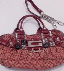 Guess original crvena platnena torbica