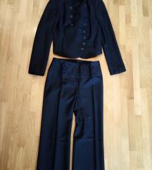 crni kostim sa hlačama