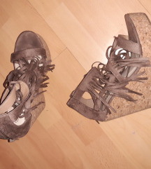 Sandale na punu petu 39