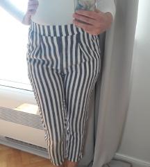 Lagane hlače na prugice