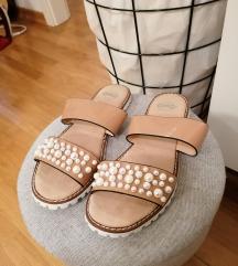 Humanic nove papuče