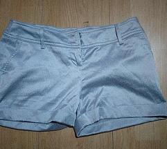 Kratke svilene hlačice