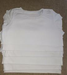 Lot 6 bijelih majica, 122/128 (7-8 god)