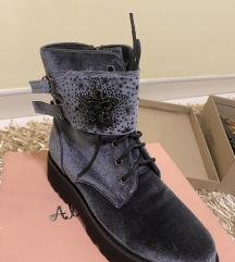 Alma Pena nove čizme