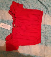 Prodaja/zamjena crvena top majica