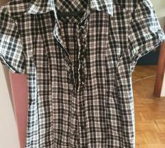 Crno bijela karirana košulja