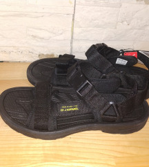 Sandale 45/46 Novo
