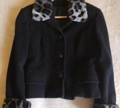 Kratki crni kaputić/sako