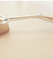 Artis oval 7 cetkica za lice