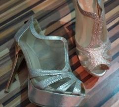 Zlatne sandale sa dijamantićima