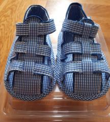 Sandalice za bebe nehodače