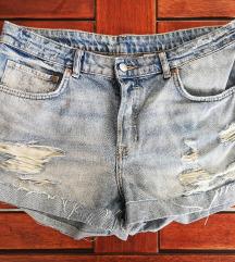 *NOVO* Boyfriend kratke hlačice, 42