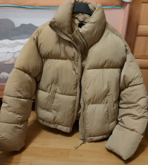 Bershka puffer jakna nenošena