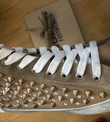 Novo Gas Footwear tenisice sa zakovicama