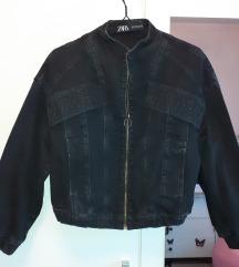 Zara crna traper jakna, Tisak uključen
