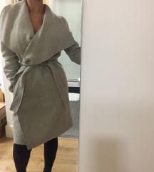 ZARA sivi vuneni kaput s remenom