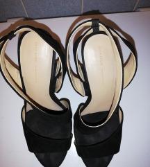 Crne sandale iz Zare