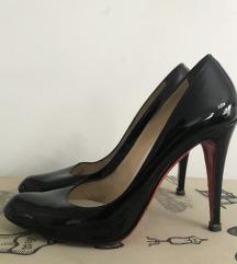Louboutin lak cipele 38-39