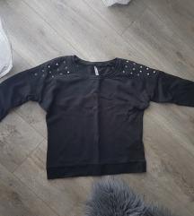 Sweatshirt sa zakovicama