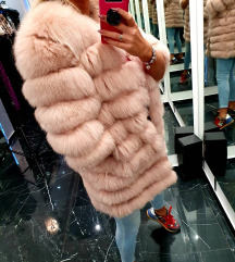 Pink bunda lisica