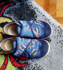 Dječje papuče 33