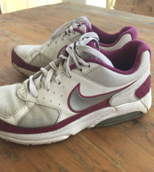 Nike air tenisice vel 38.5