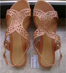 SNIŽENO: Potpuno nove sandale Via Ravia