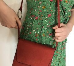 Mala crvena torba