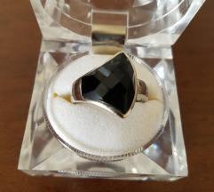 Novi srebrni prsten sa onixom