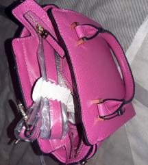 Mala Carpisa torbica roza
