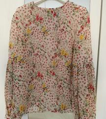Cvjetna proljetna košuljica