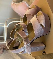 Elfs štikle sandale