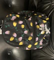 Adidas mini ruksak Novi s etiketom