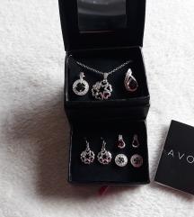 Novi Avon komplet nakita
