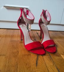 nove crvene sandale