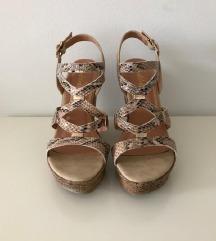 Zmijske sandale na punu petu