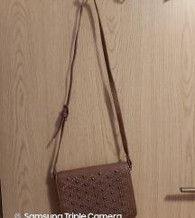MANGO: smeđa mala torbica 45kn