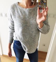 Chunky pulover s etiketom