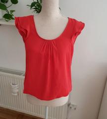 Crvena bluza s kratkim rukavima