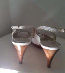Pura Lopez nenošene sandale